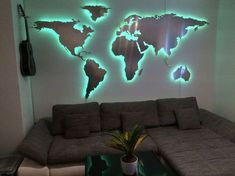 Weltkarte mit RGB-LED Beleuchtung Aluminium