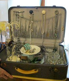 Vintage Suitcase Ideas | vintage suitcase jewelry box. Love this for a basket party or at events! :) super cute!