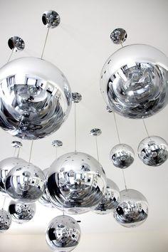 Silver | 銀 | Plata | Gin | Argento | Cеребро | Agent | Colour | Texture | Pattern | Style | Design |