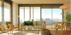 En la revista AD apuestan por #mobiliario de #calidad, como los #sillones de #madera y #fibra trenzada de #Bibeca. #Comodidad y #estilo unidos en la misma #pieza.  Tonos #suaves y #cálidos para un #hogar a la #última, #luminoso y #espectacular.  ¡Apuesta tú también por Bibeca!  #casa #decoración #interior #diseño #design #interiorismo #fashion #actual #especial #home Curtains, Home Decor, Fiber, Home, Couches, Wood, Interiors, Style, Blinds
