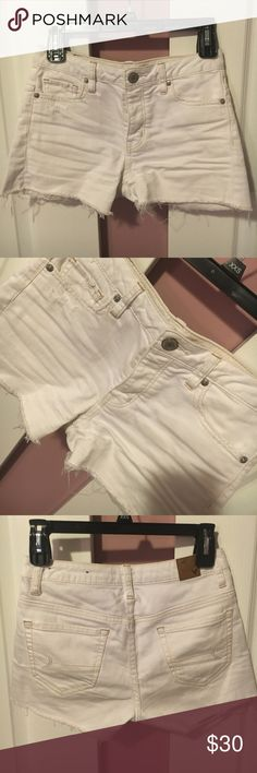 White distressed Midrise stretch jean shorts Cotton. Good condition American Eagle Outfitters Shorts Jean Shorts