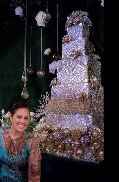 Beautiful cake design by Lourdes Padilla