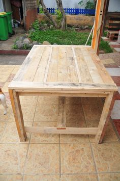 table from pallets