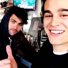Matthew Daddario and Alberto Rosende- not a fan of the show but dear lord Alec is hot