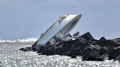 Image copyright                  AP                  Image caption                                      El accidente en el que murió José Fernández ocurrió en Miami Beach.                                Eran pasada las tres de la madrugada del domingo en Miami Beach, en Florida (EE.UU.), cuando la Guardia Costera notó algo extraño en uno de los rompeolas q