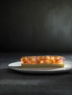 White nectarines, raspberries and cherries set in their juices with vanilla panna cotta - Peter Gilmore (Quay) Fancy Desserts, Delicious Desserts, Dessert Recipes, Vanilla Panna Cotta, White Raspberry, Fruit Creations, Japanese Sweet, Pastry Art, Molecular Gastronomy