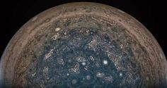 無人探査機「ジュノー」が、木星南極上空の雲頂から10万1000キロの距離で撮影した木星の画像。米航空宇宙局(NASA)提供(2017年2月2日撮影、同月18日提供)。(c)AFP=時事/AFPBB News