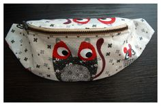 Bolsa de cintura - Today I would like to show to you how to sew a fanny pack/waist bag. Contarary to appearances it is not very hard. To execute it you will need: about of fabric, the same amount of heat activated adhesive interfacing, zi. Fanny Pack Pattern, Bag Pattern Free, Diy Bags Purses, Hip Bag, Purse Patterns, Sewing For Kids, Budget Travel, Quilting, Pouch