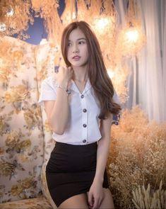 Beautiful Japanese Girl, Beautiful Girl Image, Beautiful Asian Women, University Girl, Girls In Mini Skirts, Korean Girl Fashion, Poker Online, Asia Girl, Sexy Asian Girls