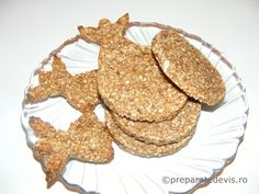 Biscuiti dietetici cu ovaz de post Gingerbread Cookies, Desserts, Recipes, Food, Gingerbread Cupcakes, Tailgate Desserts, Deserts, Essen, Postres