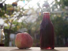 Äppelsirap, Mandelmanns recept | Recept från Köket.se Plum, Peach, Sweets, Vegan, Fruit, Recipes, Food, Apples, Tips