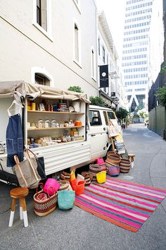 spotted: half hitch goods.  Love this as a bookshelf idea for a stall. Storage in the middle.  ?