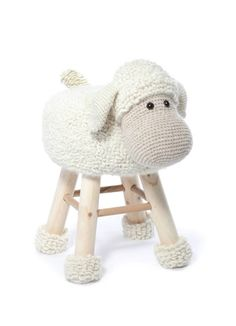Crochet stool cover pattern, book: Animal Stool Crochet (photo by Scheepjes) | Happy in Red