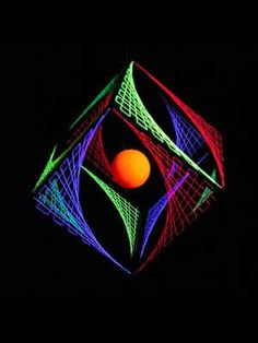 3D String Art Bunter Würfel schwarzer Rahmen Thread Art, Thread Painting, Contemporary Art Forms, Modern Art, Psychedelic Decor, Nail String Art, String Art Patterns, Psy Art, New Media Art