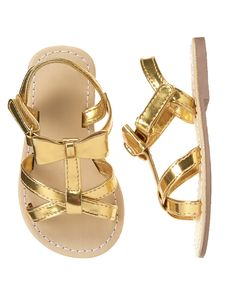 Toddler Girls Gold Metallic Bow Sandals by Gymboree. imported and Collection Name: Island Hopper. Little Girl Shoes, Cute Baby Shoes, Baby Boy Shoes, Cute Baby Girl, Toddler Shoes, Boys Shoes, Baby Girl Sandals, Girls Sandals, Youth Shoes