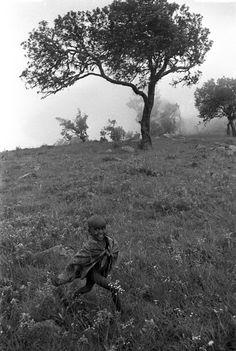 This kid is so damn happy. I want that again. I was last time I was in Maralal for sure. Maralal, Kenya 1987  ©David Blumenkrantz