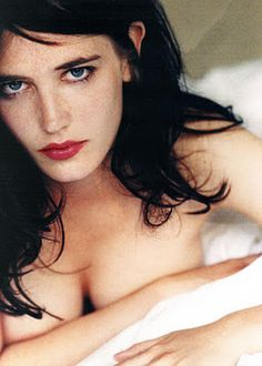 Eva Green Pictures - Sexy Pics of Eva Green from Dreamers and Casino Royale - Esquire: Beautiful Celebrities, Most Beautiful Women, Beautiful People, Eva Green Wallpaper, Actress Eva Green, Green Pictures, Photo Portrait, Color Portrait, Green Photo