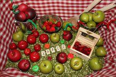 Apple sensory bin and activities Apple Activities, Autumn Activities For Kids, Learning Activities, Preschool Ideas, Sensory Bins, Sensory Play, Green Split Peas, Apple Unit, Autumn Theme