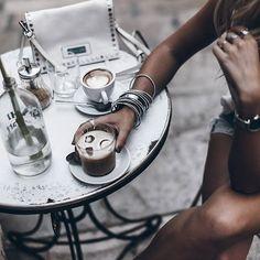 Ice 💥 Cafe con leche con hielo, yum yum! #mikutatravels #mallorca #coffeetime