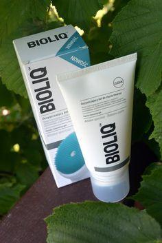 KOSMETYKI Z MOJEJ PÓŁKI: Oczyszczający żel do mycia twarzy z silikonową szczoteczką | BIOLIQ