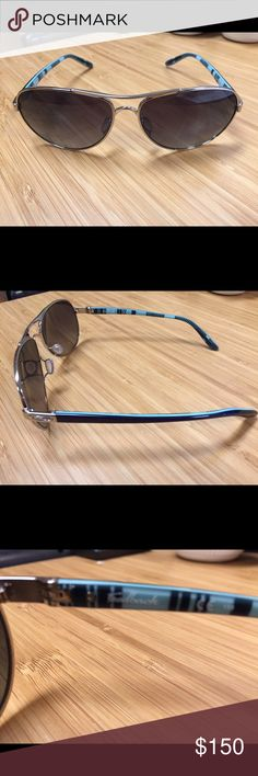 Oakley Feedback Polarized sunglasses Excellent condition, no scratches or any damage whatsoever.  Only worn a few times. Oakley case included.  They are polished Chrome frame, polarized lenses.  Purchased in April 2016 from Sunglass Hut.  Size 59-13 Oakley Accessories Glasses