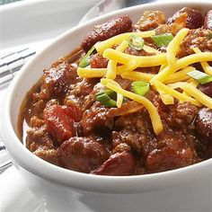 We always had a Halloween Tradition of eating chili before we went trick-or-treating growing up. We've rounded up 10 delicious chili recipes for you to try! Chili Recipes, Slow Cooker Recipes, Crockpot Recipes, Cooking Recipes, Healthy Recipes, Diabetic Recipes, Cooking Ideas, Soup Recipes, Healthy Food