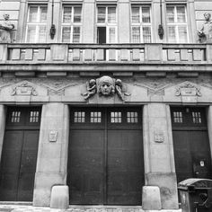 #prgdoors #prgbuildings #prague #praha #Прага #oldtown #history #historicalprague #architecture #praguehistory #praguebuildings #oldbuilding #urbanism #praguecity #praguestagram #pragueoldtow