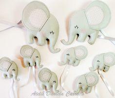 Elefantes em feltro e tecido para Dossel