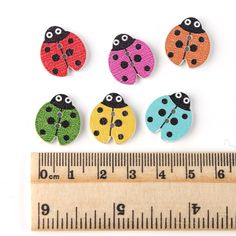 20pcs 18x16mm 2 hole Animal Ladybug Sewing Wooden Buttons Lovely DIY Scrapbooking Wood Button Craft Kids Clothing Accessories