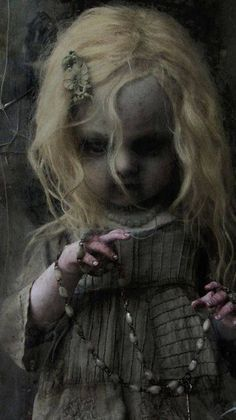 Scary and even disgusting, but attractive and fascinating.I like to watch movies in the style of horror. Art Zombie, Dead Zombie, Scary Dolls, Zombie Dolls, The Frankenstein, Haunted Dolls, Arte Obscura, Creepy Pictures, Gothic Dolls