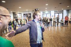 Hanno[Lab] trifft 96, Nov. 2014. Organisiert und initiiert von kre|H|tiv und Nexster. Fotos: Lennart Helal. Hier: Prof. Gunnar Spellmeyer beim WarmUp
