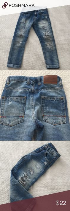 "Zara Boy Toddler Jeans Zara Boy Torn Denim Jeans Size: 5, 110cm Waist 10"" Rise 7"" Length 21 1/2"" Pre own in great condition Zara Jeans Skinny"