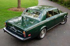 Rolls-Royce Silver Shadow. That steering wheel.. in bakelite!