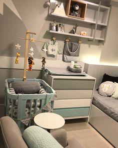 Quarto de bebê pequeno: 70 ideias e dicas para aproveitar o espaço Baby Bedroom, Baby Boy Rooms, Baby Room Decor, Newborn Baby Tips, Baby Shower Checklist, Cool Kids Bedrooms, Pop Baby Showers, Baby Room Design, Toddler Rooms