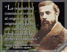 Antonio Gaudí i Cornet, arquitecto español.