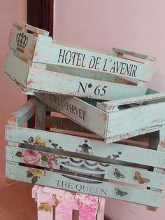 Decoupage Wood, Decoupage Vintage, Vintage Crafts, Shabby Chic Crafts, Shabby Chic Decor, Wood Crates, Wooden Boxes, Pallet Picture Frames, Wood Storage Box