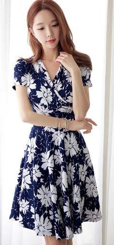 StyleOnMe_Floral Print Ruched Wrap Dress #koreanfashion #elegant #flowers…