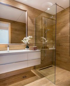 Bathroom decor for the master bathroom remodel. Discover bathroom organization, bathroom decor ideas, master bathroom tile some ideas, bathroom paint colors, and more. Bathroom Layout, Modern Bathroom Design, Bathroom Interior Design, Small Bathroom, Bathroom Ideas, Modern Bathrooms, Bathroom Organization, Master Bathrooms, Bathroom Storage
