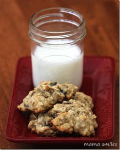 These banana oatmeal chocolate chip cookies are one of our favorite snacks - reasonably healthy (for cookies) and a great on-the-go treat.   What are your favorite healthy (ish) treats?  Banana Oatmeal Chocolate Chip Cookies - Mama Smiles - Joyful Parenting