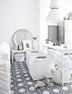 Pièce à vivre Maroccaine blanc chic. Magnifique #white #Moroccan #living+room