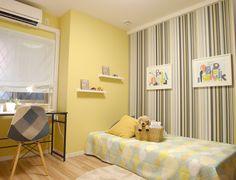 K365 カラフルで元気 黄色とストライプのアクセントクロスが、カラフルで元気な印象の子供部屋に。