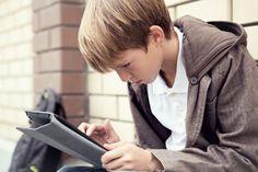 Tutkimus: Tietokoneen käyttö tukee perinteistä lukutaitoa