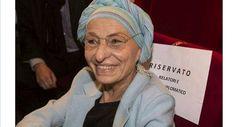 Senza vergogna, Emma Bonino buttata fuori dalla sede dei Radicali. Umiliata la leader storica / Guarda - http://www.sostenitori.info/senza-vergogna-emma-bonino-buttata-dalla-sede-dei-radicali-umiliata-la-leader-storica-guarda/279449
