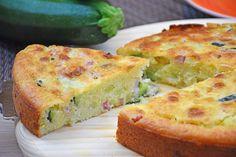 La torta 7 vasetti salata con zucchine e scamorza è una variante salata della torta 7 vasetti dolce da colazione. Ecco come prepararla