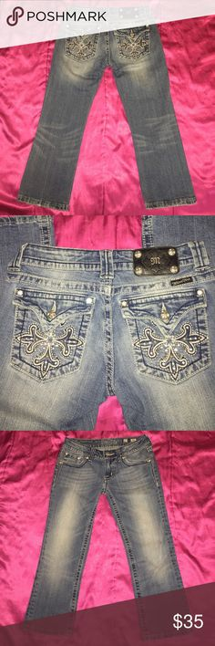 """Miss Me Capri 27 Very pretty medium wash capris with just the right amount of bling ✨ No flaws  Waist flat 14"""", inseam 21"""" Rock Revival Jeans Ankle & Cropped"""
