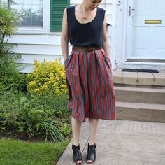 """Day 26... Une nouvelle venue : jupe chardon de deer & doe version midi et mon top en soie déjà porté il y a quelques jours.. New in: a midi version of the chardon skirt from @eleonoreklein deer & doe and my silk top. Fabric is called """"traffic in forest"""" and comes from @hawthornethreads #deerandoe #mmmay15 #memademay #jupechardon"""