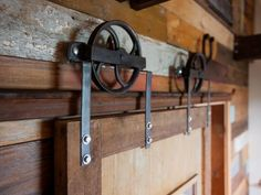 Great American Country Has Ideas For Decorating With Reclaimed Wood, Like  Old Barn Doors, Folk Art And Other Rustic Pieces.
