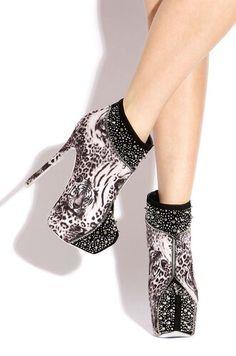 Creative tiger black boot heels