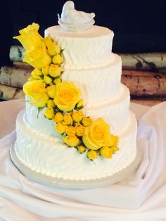 a wedding cake weighed 8 kg small three tier wedding cake with texture ribbon in 10982