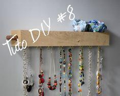 TUTO  #DiY8 SUPPORT BIJOUX Chêne Décors. Fini les colliers emmêlés, chacun a désormais sa place et en plus vous gagnez une étagère de rangement.  Le cuivre et le bois, c'est la nouvelle tendance. A découvrir sur notre site chene-decors.com